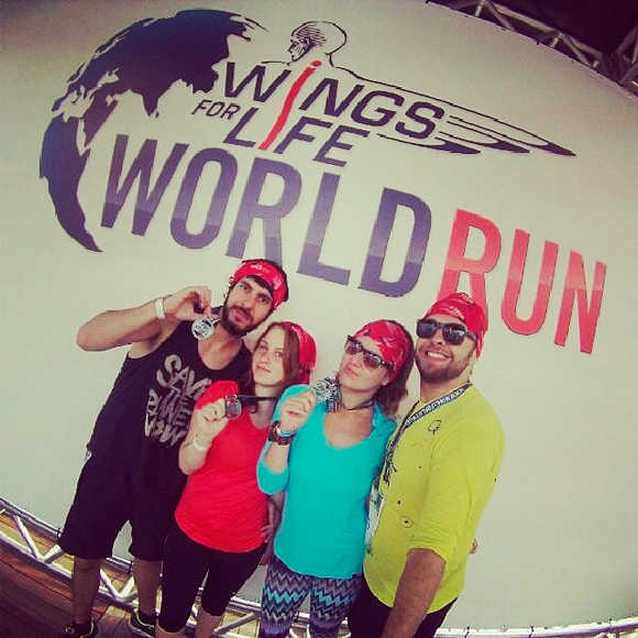 corrida-wings-for-life-world-run-amigos-medalha