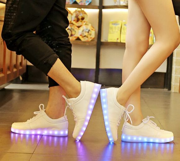sneakers-com-led