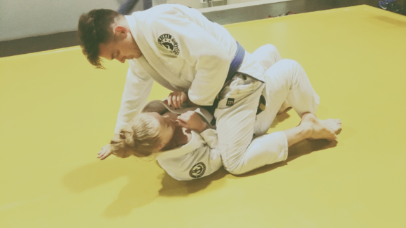 Treino de Jiu Jitsu academia Cross Fighters